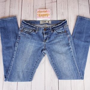SOLD 🛍VS Pink Skinny Jeans 0 Short